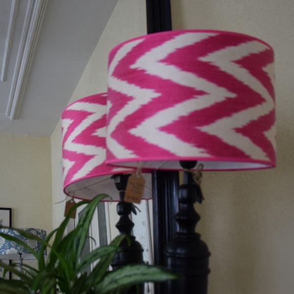 Ikat lampenkap met roze zigzag zijde