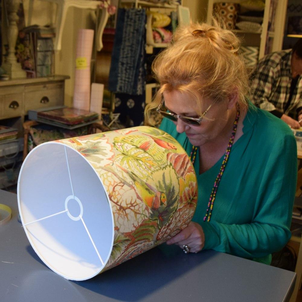De nieuwe lampenkap van Esther