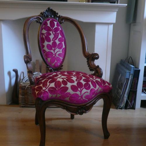 Antieke stoel met stof Designers Guild